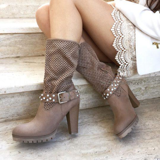 stivali traforati tacco