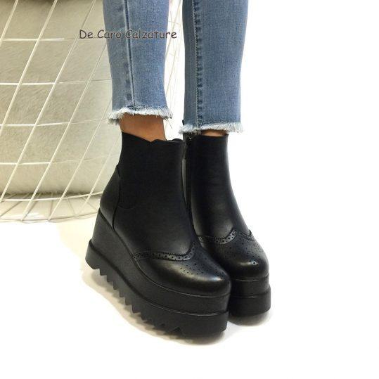 new product 887f1 f967e Stivali eco pelle con zeppa alta 8 cm stile inglese E25