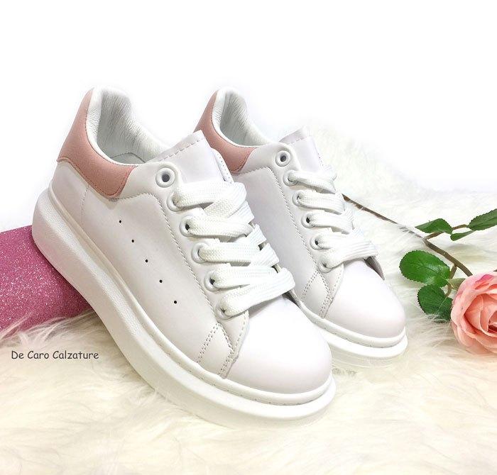 Primavera 2019? Sneakers Bianche il must have del momento