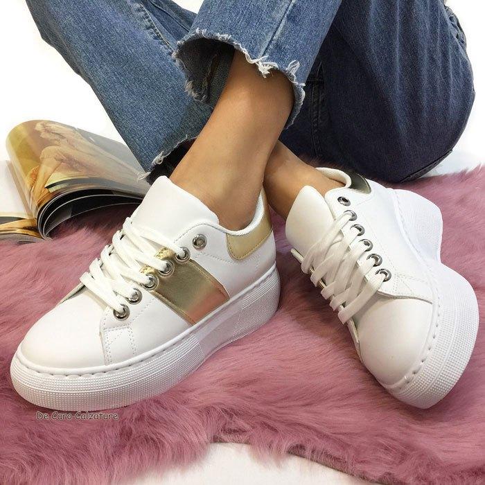 Sneakers Loya con bande laterali e zeppa alta 5 cm AB7